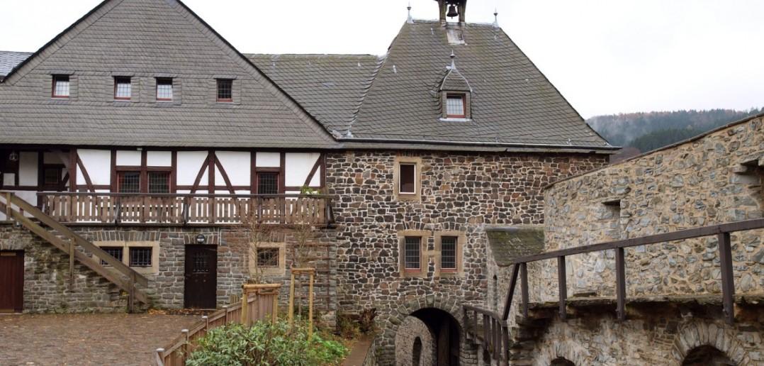 3. Zu Gast auf Burg Altena mit dem berühmten Glockenturm