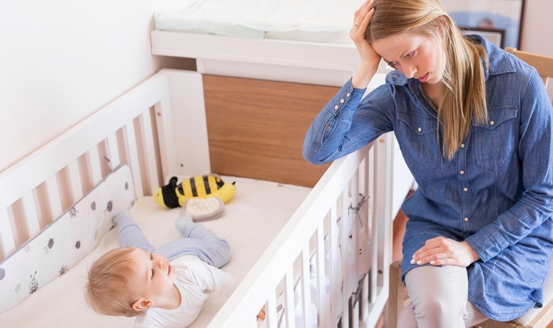 Es klingt banal, aber es ist so: Kinder schlafen nicht gerne, wenn sie nicht müde sind.
