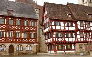 Die Stadt Forchheim liegt ebenfalls im südlichen Steigerwald, nahe dem Kloster Schwarzenberg / Scheinfeld. (#1)