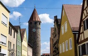 Vom Kloster Schwarzenberg in Scheinfeld aus auch einen Besuch wert: die Stadt Stadt Gunzenhausen, hier mit dem Färberturm in der historischen Altstadt. (#2)