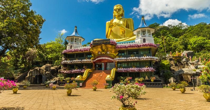 Auch Sri Lanka punktet durch die kurzen Abstände zwischen den verschiedenen Sehenswürdigkeiten, sodass es den Kindern nicht zu langweilig wird. Familien werden herzlich empfangen und erholen sich inmitten herrlicher Natur und toller Erlebnisse wie zum Beispiel im Mini-Adams-Park in Ella.