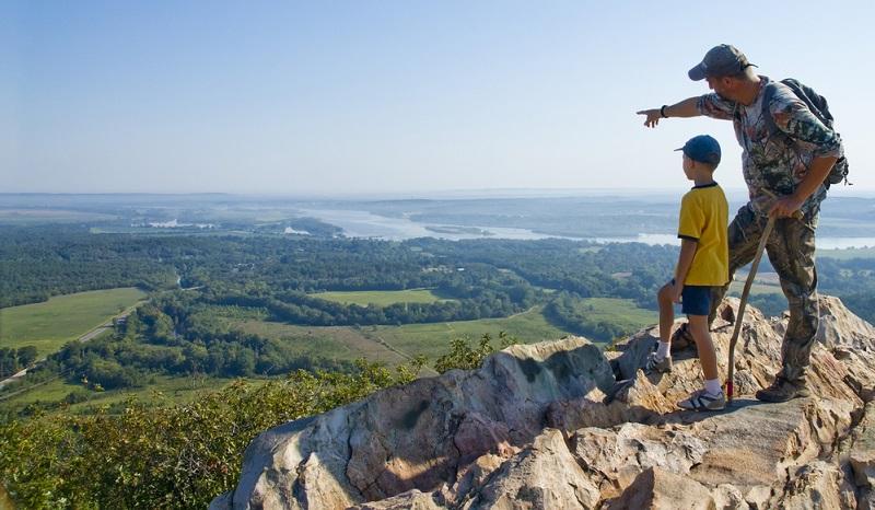 Beim Wandern mit Kindern ist die Motivation maßgeblich vom Unterhaltungswert der ganzen Aktion abhängig. Nichts ist schlimmer als eine langweilige Tour.
