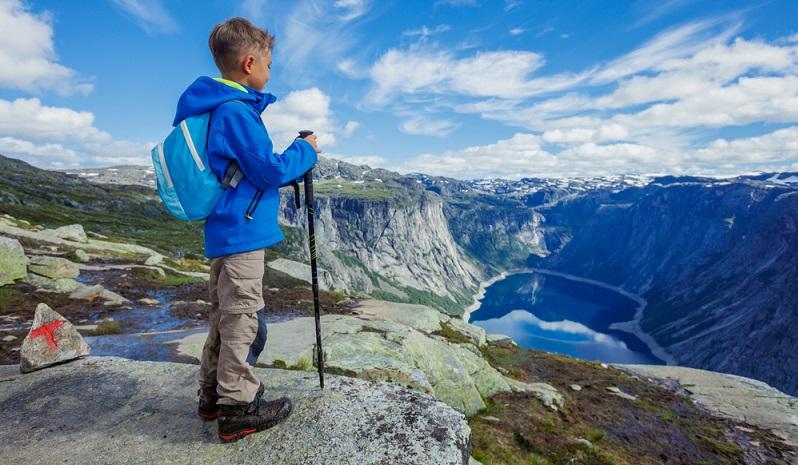 Tatsächlich steht der Wanderurlaub auf dem sechsten Platz in der Statistik der beliebtesten Urlaubsarten.