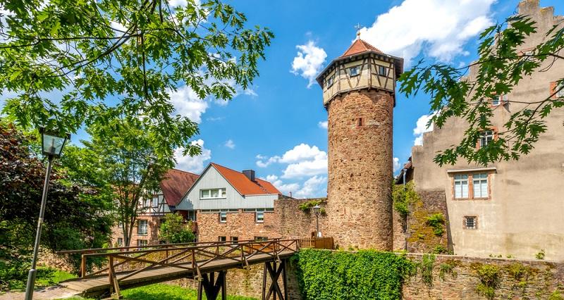 Eine der beliebtesten Tätigkeiten beim Aufenthalt im Odenwald ist das Wandern.