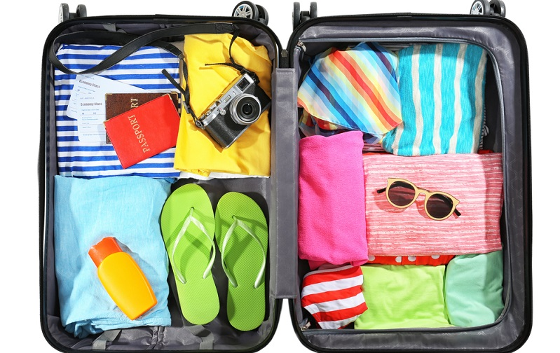 Koffer packen mit System: Richtig gestapelt und gefaltet, passt viel mehr rein.