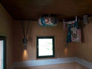 Haus auf dem Kopf in Englmar: Verdrehte Welt!
