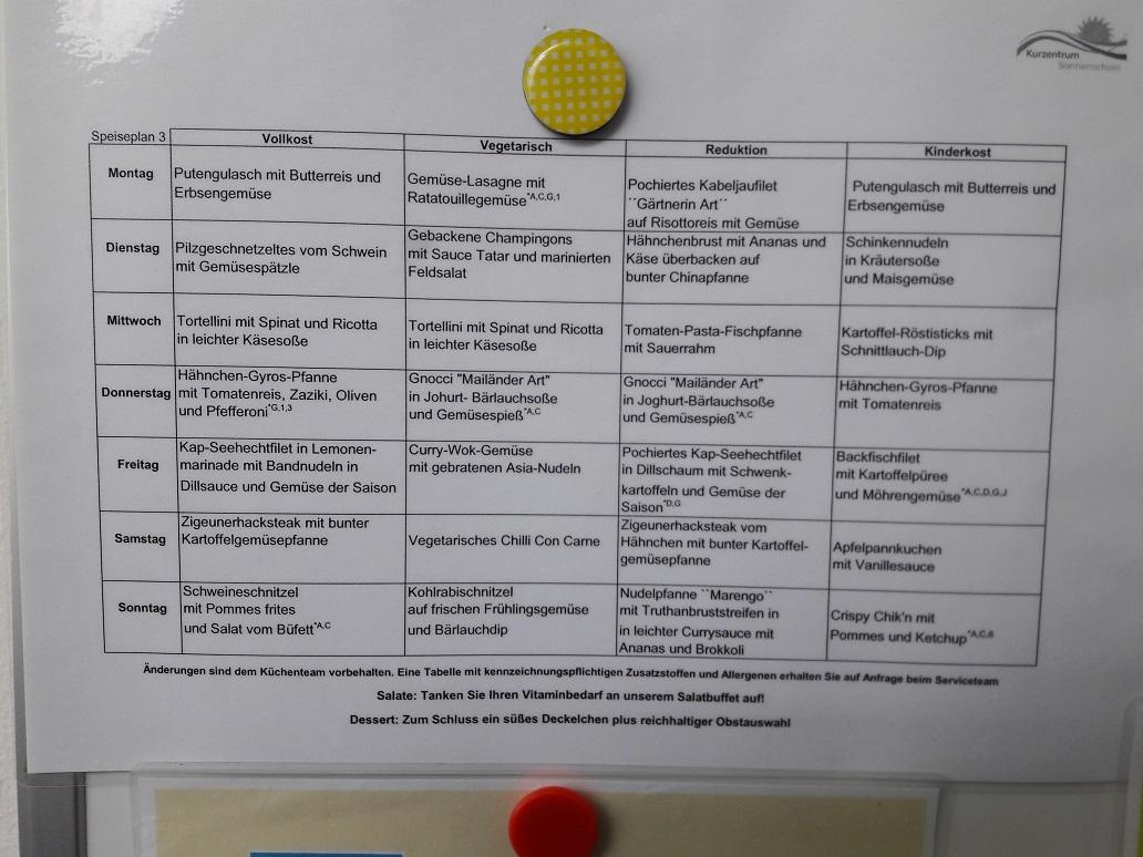 Ein Speiseplan aus der Mutter-Kind-Klinik Sonnenschein in Zwiesel: Jede Woche gar es sieben Tage lang vier verschiedene Essen zur Auswahl.