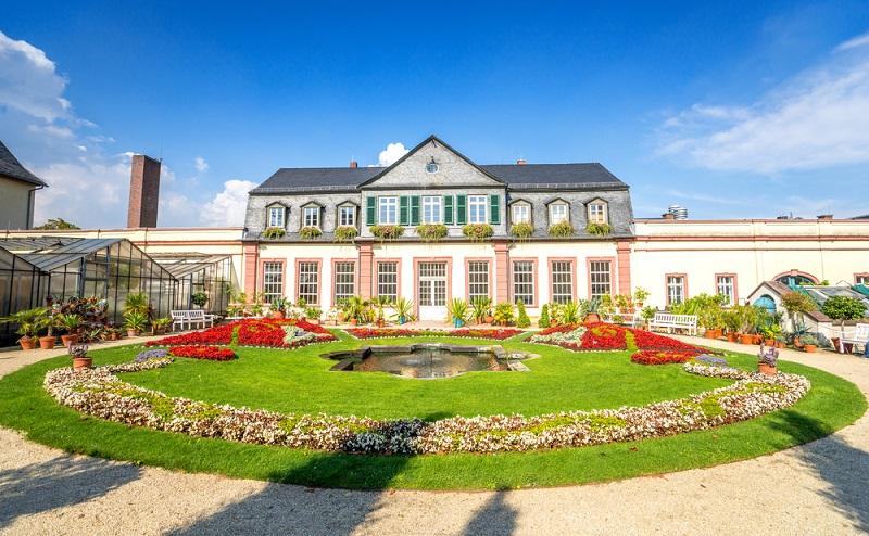 Das Residenzschloss Bad Homburg ist berühmt für seine Gartenanlage. (#03)