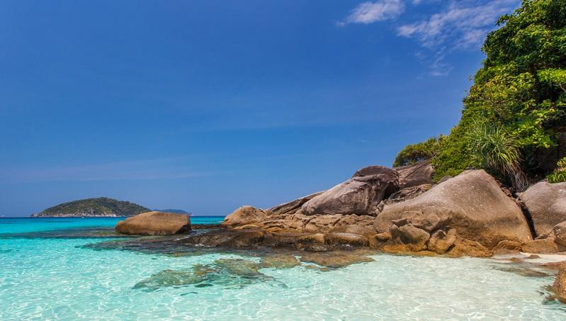 Gerade, wenn man zum Tauchen, Baden oder für eine Schnorcheltour zu den Similan Islands kommen möchte, muss das Wetter schön und sonnig sein.(#02)