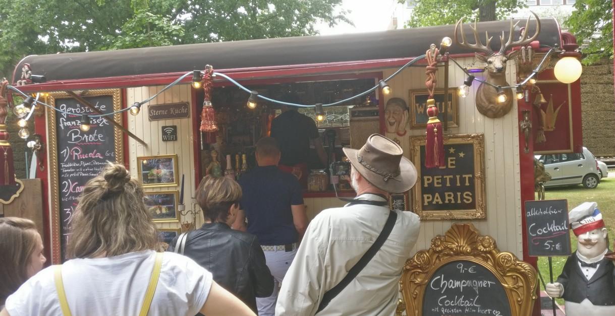 """""""Le Petit Paris"""" entführt mit französischem Flair."""