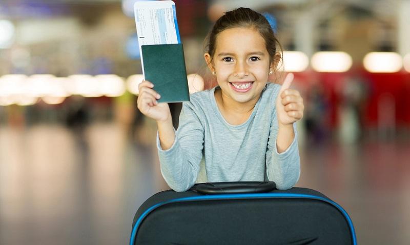Zuallererst ist es ganz wichtig, den Gültigkeitszeitraum eines bereits vorhandenen Kinderreisepasses zu checken. Innerhalb der EU reicht ein Reisepass.