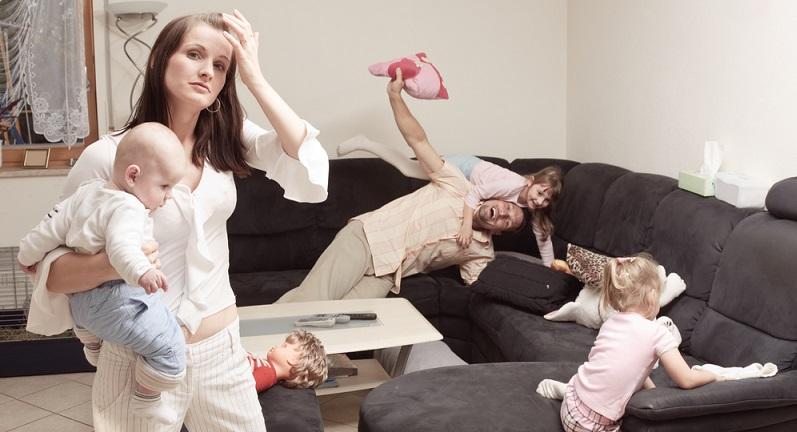 In allen Familien mit zwei Elternteilen ist die Liebesbeziehung der Erwachsenen das Wichtigste. Sie gibt den Ton an und entscheidet über die Atmosphäre in der Familie.
