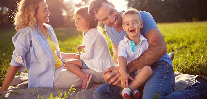 Beziehung: Familie und Liebe unter einen Hut bringen