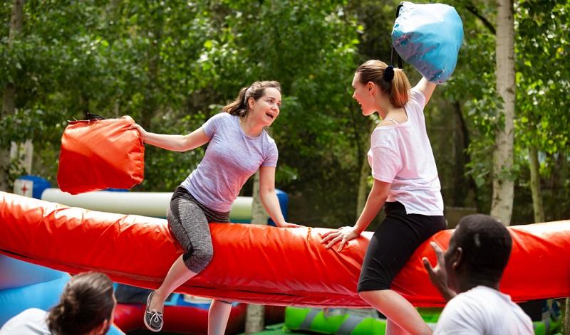Abenteuerspielplatz auch ein toller Spass für Erwachsene (Foto: Shutterstock- Iakov Filimonov)