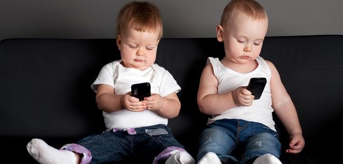 Medienkonsum der Kinder: Größte Gefahr besteht in den Ferien (Fotolizenz: Shutterstock-AlohaHawaii )