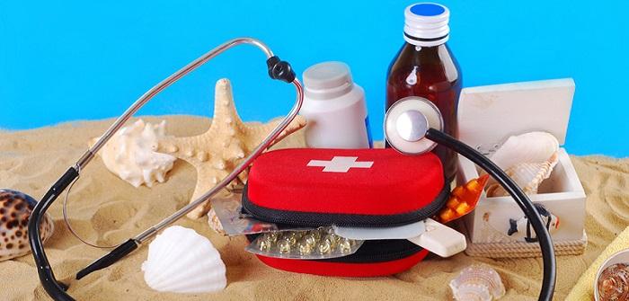 Checkliste Reiseapotheke: Gesundheit für unterwegs ( Foto: Shutterstock-Teresa Kasprzycka )