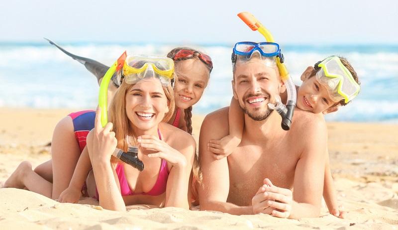 Der Urlaub mit Kind wird wieder einmal das Highlight im Jahr.  ( Foto: Shutterstock- _Africa Studio )