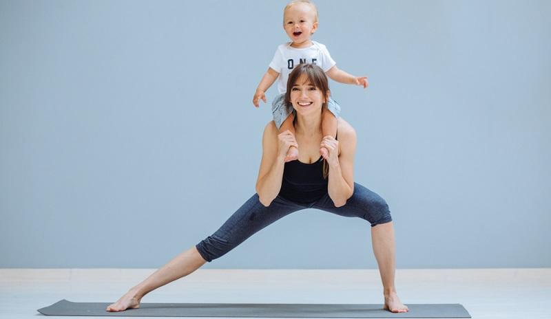 Jetzt wird es sportlich! Ist das Baby auf der Welt, will Mama so schnell wie möglich ihre gute Figur wiedererlangen.  ( Foto: Shutterstock-   Iryna Inshyna )