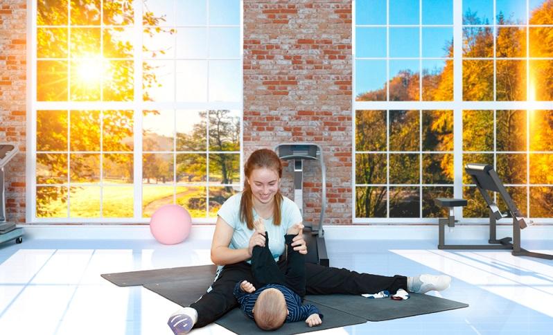 Auch beim Kangatraining wird auf Geborgenheit und das gemeinsame Training von Mama und Baby gesetzt. ( Foto: Shutterstock-_Viktor_LA )