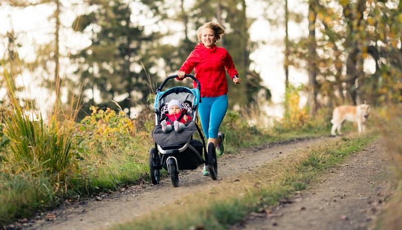 Sport mit Baby kann so einfach sein!. ( Foto: Shutterstock- _Blazej Lyjak )
