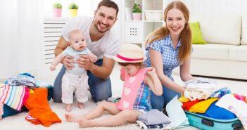 """Checkliste """"Urlaub mit Kind"""": Ferienhaus & Co. rufen, aber so bleibt der Stress draußen (Foto: Shutterstock-_ Evgeny Atamanenko)"""
