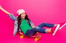 Longboard für Kinder: 10 Tipps, ohne die es einfach nicht geht (Foto: Shutterstock-_Roman Samborskyi )