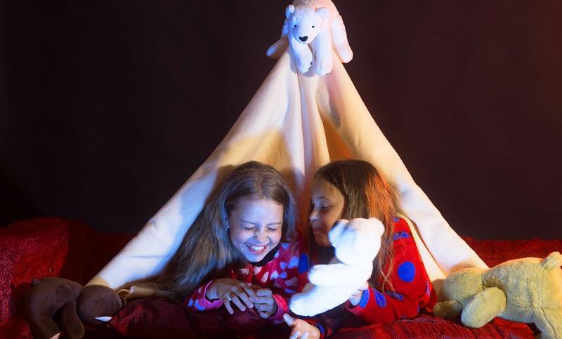 Des Weiteren muss direkt festgelegt werden, wo die Gäste schlafen sollen, denn danach richtet sich die höchstmögliche Anzahl. (Foto: Shutterstock-_Just dance)